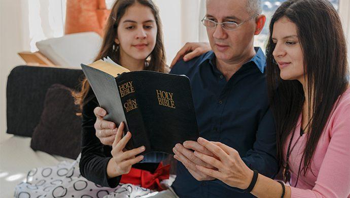 Lea la Biblia en 1 año – 231° día