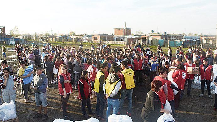 El barrio Luján recibió casi 4 toneladas de alimentos
