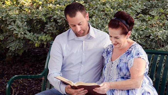 Lea la Biblia en 1 año – 305° día