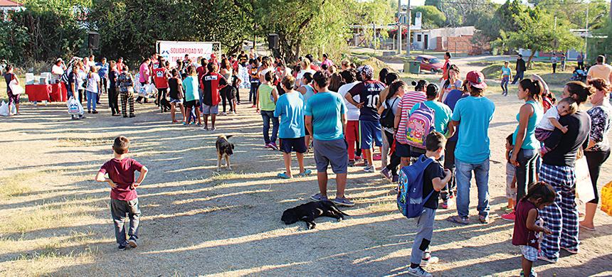 El barrio Arenales recibió casi 2,5 toneladas de alimentos