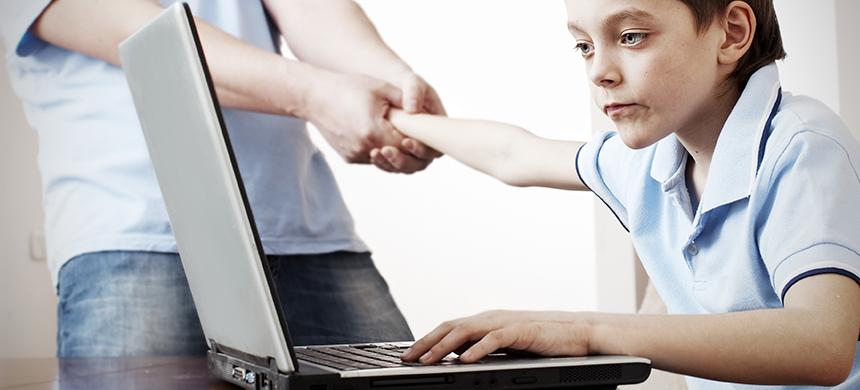Niños adictos a internet son internados en clínicas