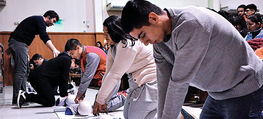 Curso de RCP y Primeros Auxilios en la FJU