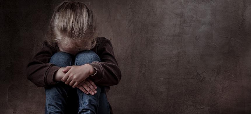Niños que ven pornografía reproducen abusos sexuales