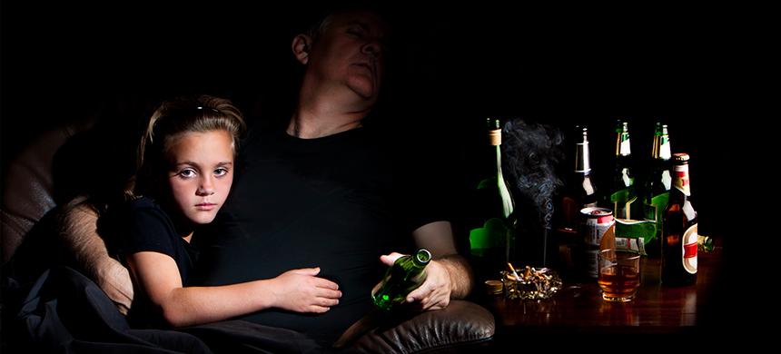 ¿Padre alcohólico, hijo suicida?