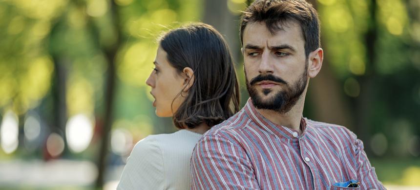 El sentimiento peligroso que destruye a las parejas