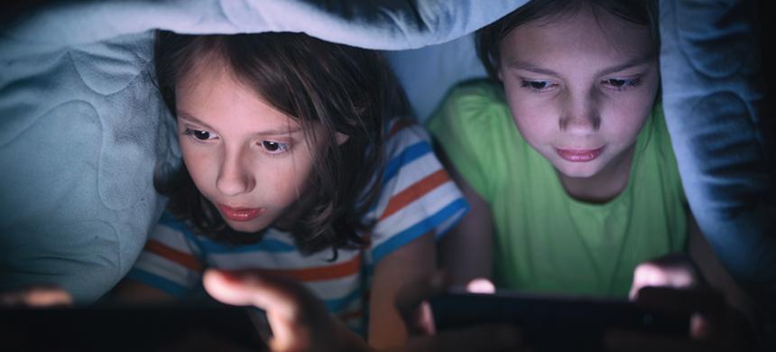 El peligro de los niños al navegar por internet