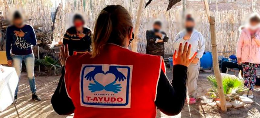 Voluntarios del T-Ayudo de Mendoza asisten a familias necesitadas