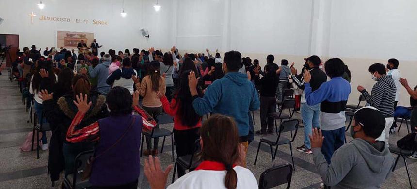 Inauguración de cuatro Iglesias en el país