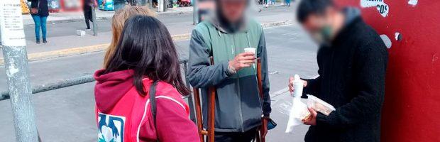 La Unisocial de Morón distribuye viandas de comida a las personas que están en situación de calle